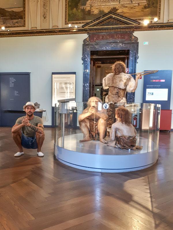 ATG. pierwotny czlowiek muzeum historii naturalnej wieden trener na wakacjach